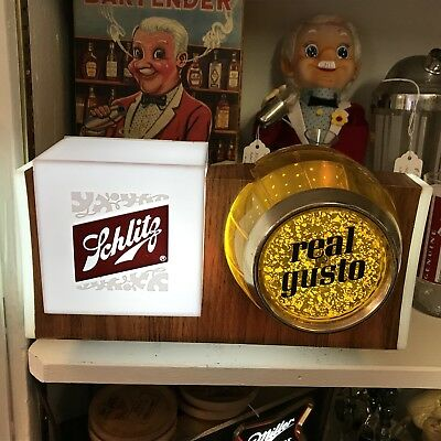 """Schlitz 1965 """"Real Gusto"""" Motion Bubbling Barrel Lighted Sign"""