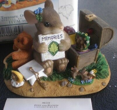 "Charming Tails ""A Treasure of Memories"", Item 98/224 , Mint Condition"
