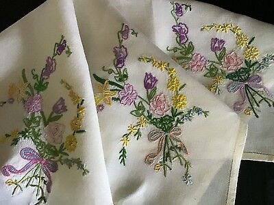 Pretty Vintage Hand Embroidered Tablecloth ~ Floral Posies