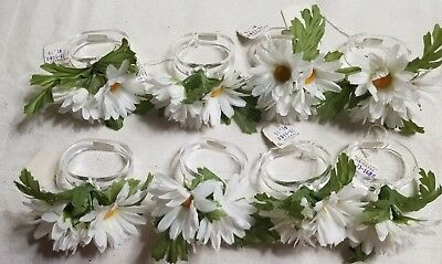 NOS Set of 8 Younkers Napkin Rings with DAISIES Fake Fauna PRETTY