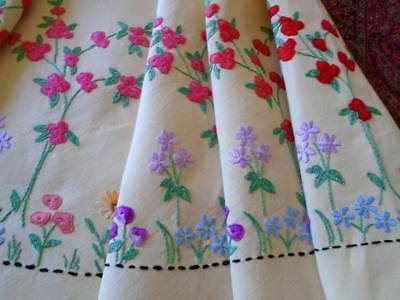 Stunning Hand Embroidered Vintage Linen Tablecloth English Country Rose Garden