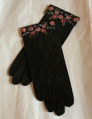 VTG Real Beauvais French Floral Embroidered Black Suede Gloves Sz 6 1/2