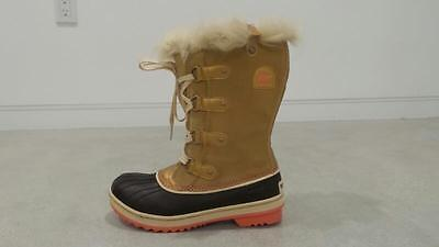 NEW Sorel Tofino Fur Suede Warm Winter Snow Hiking Boots 6 youth/ 8 womens  38