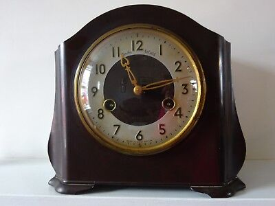 Smiths of Enfield, Bakelite, Chiming, Wind up Clock