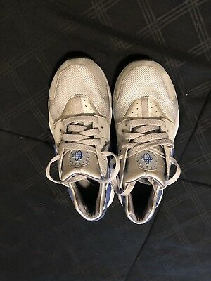 Nike Air Huarache  Sneakers  Size 5 Youth