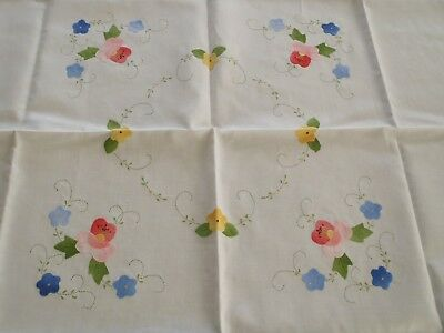 Lovely Vintage Hand Embroidered Madeira Linen Tablecloth With Applique Flowers