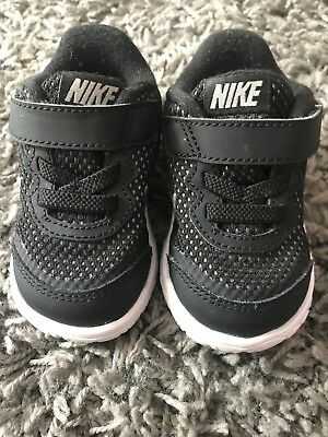 Baby boys black nike trainers size 18.5 UK 2.5 US 3C worn once only