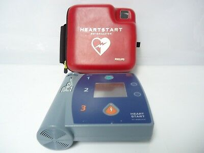 Philips FR2+ AED Defibrillator M3861A Serial no 1004132685 IP54 W/ Carrying Case