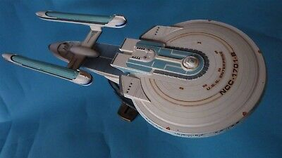 Star Trek USS Enterprise 1701-B (1/1000 AMT 1995)