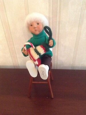 2006 Byers Choice Caroler Toddler With Stocking Siting On Stool