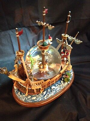 Extremely Rare! Disney Peter Pan Captured by Captain Hook-You Can Fly Snowglobe