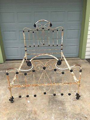 Antique Victorian Ornate Cast Iron Bed Late 1800s Early 1900s
