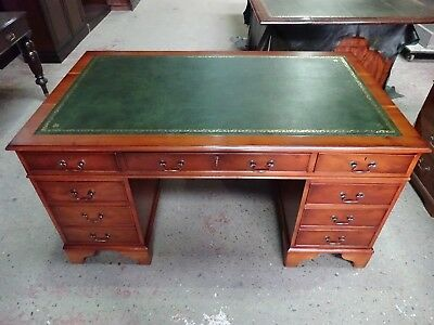 STUNNINGLY RESTORED LARGE YEW WOOD 5 x 3 REPRODUCTION ANTIQUE PEDESTAL DESK