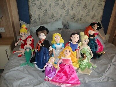 "Disney Store 20"" Princesses Soft Plush Toy Dolls Bundle x 9 and 2 further smalle"
