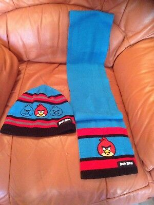 Boys George Angry Birds Hat And Scarf Set size 8-12 years