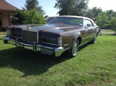 1973 Lincoln Continental Standard, vinyl top. 1973 Lincoln Continental MK IV