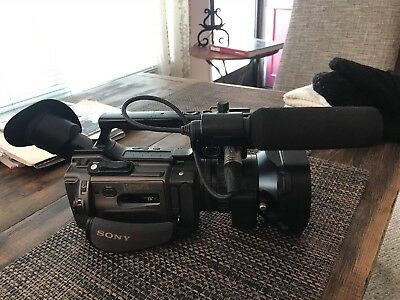 Sony Dsr-Pd170 DVCAM Camcorder (BLACK) - Bundle Price EXTRAS! Great Condition