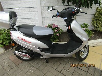 Direct Bikes Scooter 2008