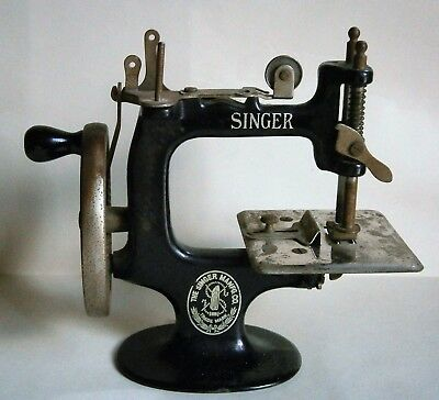 Singer Table Model Hand Crank Toy Sewing Machine, vintage