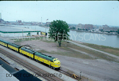 Original Slide Chicago & Northwestern Rr F7 401 From Green Bay Depot Clock Tower