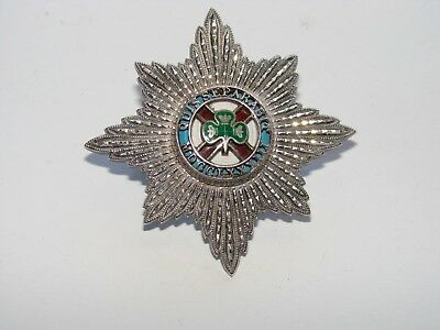Officer's Cap Badge, The Irish Guards, Silver gilt and enamel, unknown era