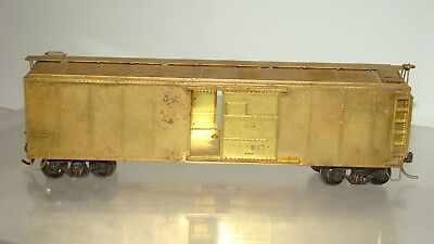 HO Scale Lambert Brass 40' Single Door w/upright brake w/trucks no box