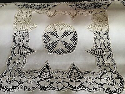 Gorgeous Vintage Cream Linen Tablecloth ~ Beautiful Maltese Lace