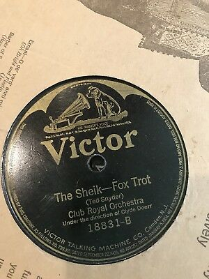 Victor Talking Machine Company Records from 1903 (15) and from the 40's (6)