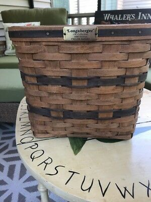 Longaberger JW Collection Two-Pie Basket 1986  With Riser And J W Napkin