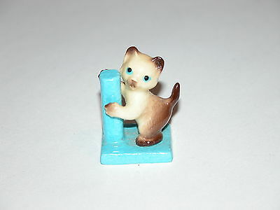 HAGEN RENAKER Kitty w/ Post Cat MINIATURE ANIMAL FIGURINE #3089