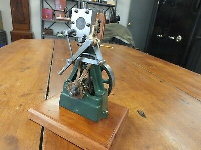 Stuart Number 7A Vertical Steam Engine with Reverse