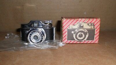 Vintage Hit type Sil-Bear subminiature camera with box Never Used