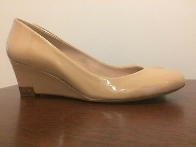 1a8df08e5d35 TORY BURCH ASTORIA Mid Wedge Pump Borscht Patent Leather Women s Size 9.5   275 -  49.99