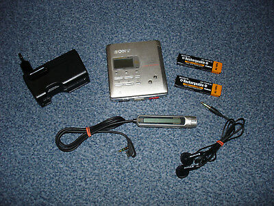 Sony MZ-R55 Minidisc Recorder / Player  (MD Walkman / Mini Disc)