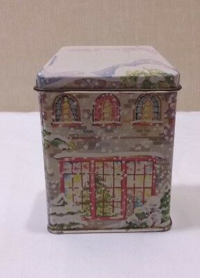 MINIATURE HOUSE TIN BOX w/ Lid  & Contents CHRISTMAS- 1988 LILLIAN VERNON Wreath