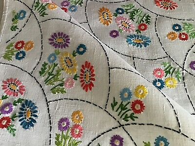 Lovely Vintage Linen Hand Embroidered Tablecloth ~ Colourful Daisies