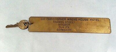 Vtg Original Sir Christopher Wrens House Hotel Room Key #43 Brass Berkshire UK