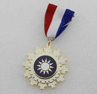 CHINA CHINESE Kuomintang KMT Medal Order of Blue Sky and White Sun Medal -Repro