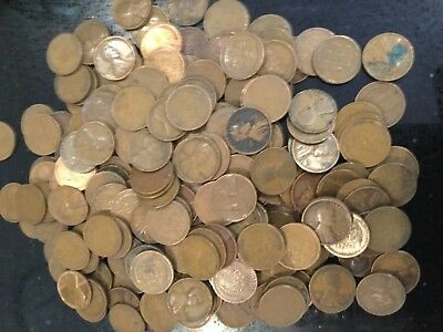 US Coins: pennies from the teens, 1920s, and 1930s. 800g (1.5lb) aprox 220 coins