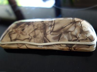 VINTAGE RETRO 50s MARBLED COFFEE & CREAM  CELLULOID GLASSES CASE