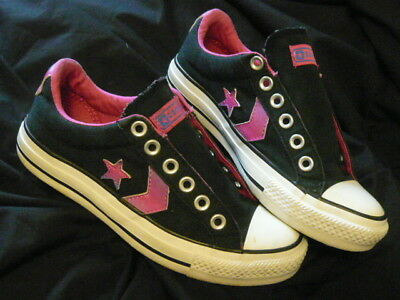Converse- Low Top- Black With Pink Star- Women's Sneakers Athletic Shoes. Size 6