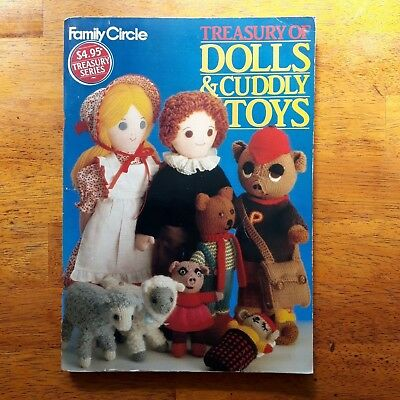 Vintage TREASURY OF DOLLS & CUDDLY TOYS FAMILY CIRCLE Sewing Knitting Crochet VG