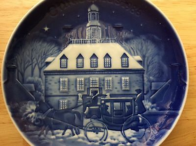 BING & GRONDAHL 1st Ed CHRISTMAS IN AMERICA PLATE 1986 WILLIAMSBURG, VA Colonial