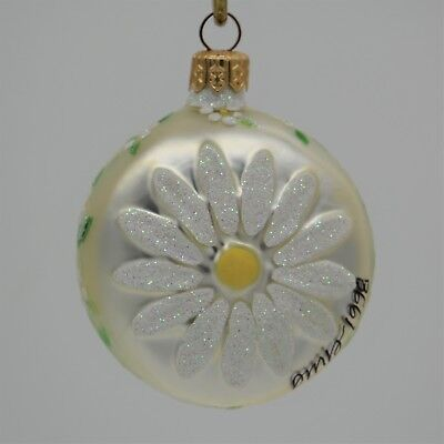 Patricia Breen 1998 Christmas Ornament Daisy Medallion Pearl 9899 Initials& Date