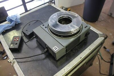 Kodak Slide Projector with Remote Control and 60mm & 100mm Lenses - S-AV 2060