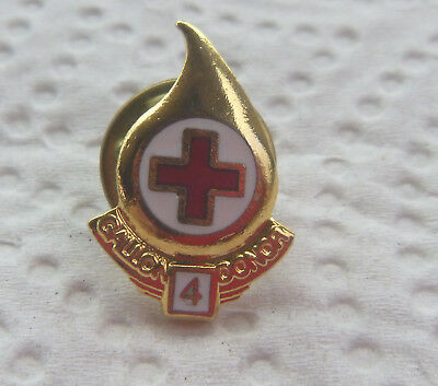 RED CROSS BLOOD DRIVE 4 gallon DONOR LAPEL PIN GOLD TONE DROP SHAPED #206