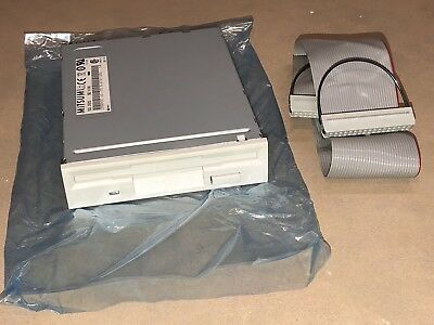 """NEW Mitsumi D359M3D 1.44 MB 3.5"""" Internal Floppy Disk Drive White IDEUsed Cable"""