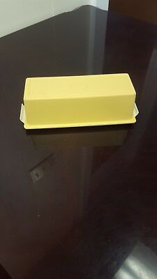 Tupperware 1 Stick Butter Dish Yellow & Beige 636-1 Great Clean Condition