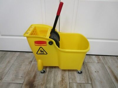 New Rubbermaid Commercial Mop Bucket & Wringer, 7.75 GAL. Yellow, w/warranty