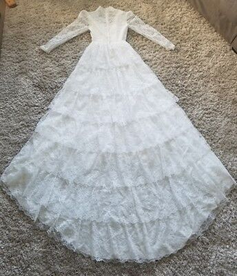 Vintage White Lace Wedding Dress Gown Train JCPENNEY Sz 5/6 Absolutely Stunning